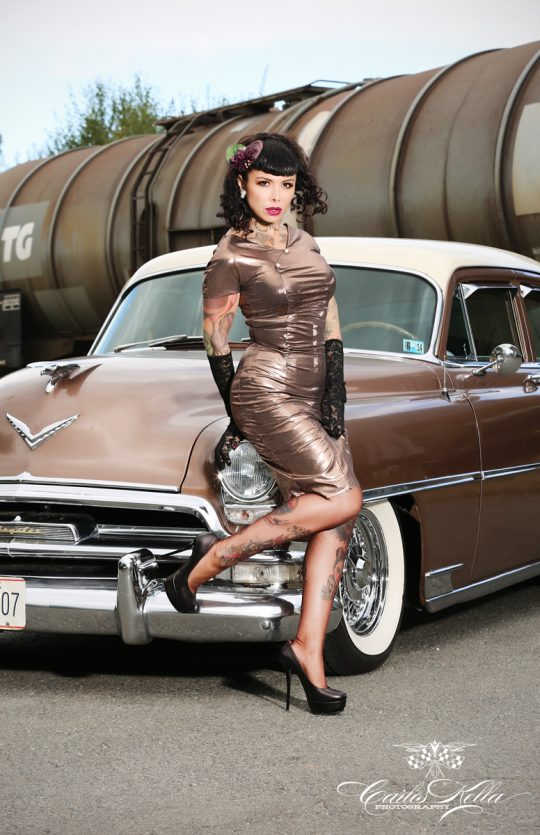 June Summer, Chrysler, Pin up, Carlos Kella, Sway Books