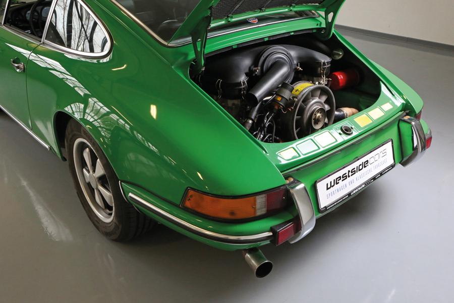 Sportwagen und Klassische Automobile bei westside.cars GmbH & Co. KG / Foto: Carlos Kella