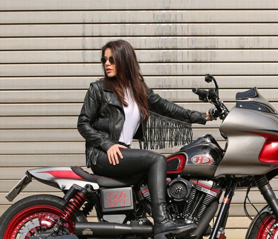 Der HHD 2020 Kalender: Ein Monatskalender mit 12 Harley-Enthusiasten und ihren Maschinen in Szene gesetzt von Carlos Kella