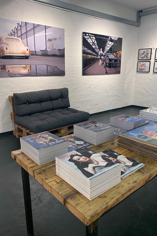 """Ausstellung von Carlos Kella und Peter """"Leo"""" Lemke in der Disch Fachbuchhandlung"""